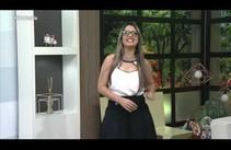 Andréa Cerqueira lê recados dos telespectadores