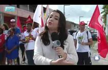 Manifestantes bloqueiam entrada de garagem de ônibus durante Greve Geral