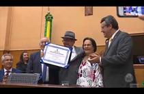 Rômulo Rodrigues recebe homenagem da Alese