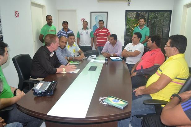 Reunião reuniu representantes da TV Atalaia e do Futsal Sergipano / Fotos: Miza Tâmara