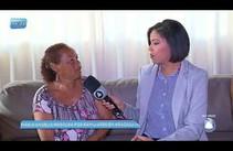 Mulher procura por familiares em Aracaju