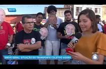 Manifestantes bloqueiam saída de ônibus das garagens