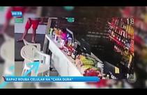 Câmera de segurança flagra homem furtando celular