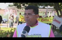 Professores e servidores da Saúde de Aracaju fazem protesto